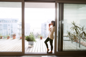 what are the best balcony door blinds